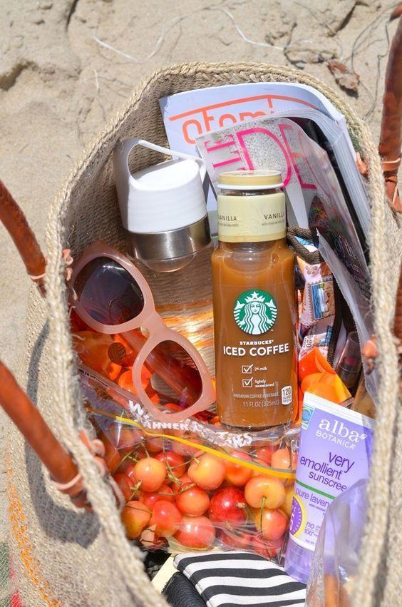 Was ist in meiner Strandtasche? -  Juna Rosenfeld - #ist #meiner #Strandtasche #beautyessentials