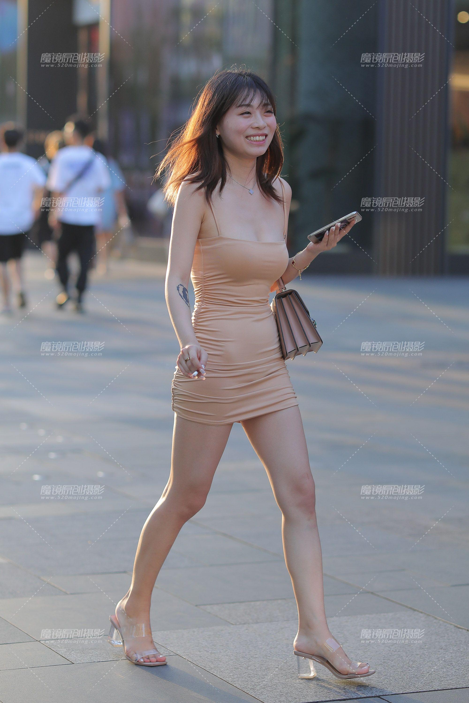 街拍美女裙底春光_ボード「sexy sandles」のピン