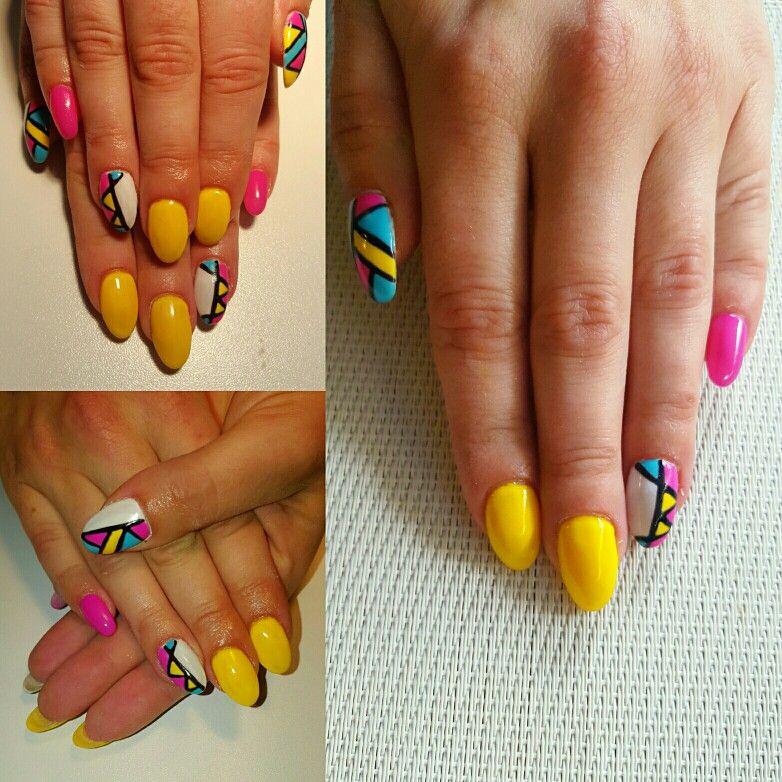 Nails art yellow pink blue