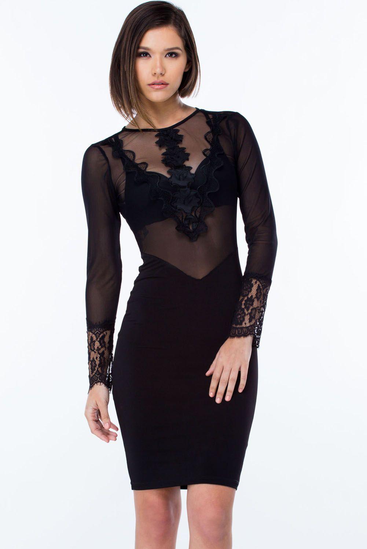 Robe noire manche transparente