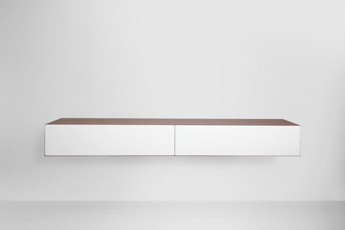 Design tv meubel in walnoot fineer interieur in