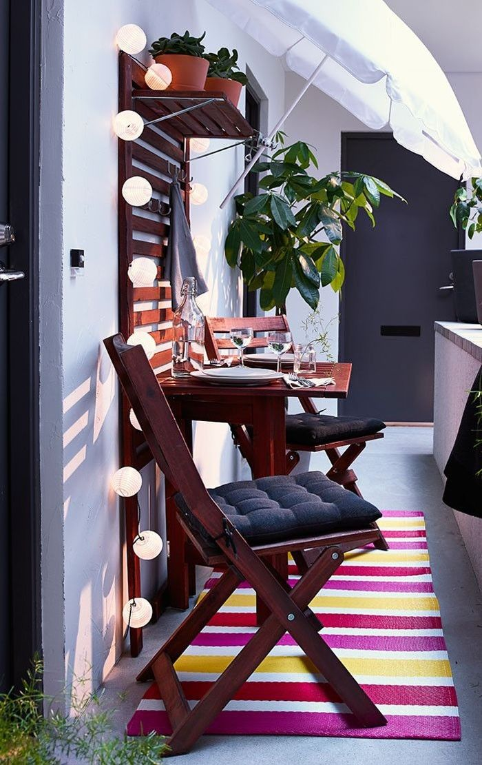 platzsparende moebel kleinen balkon gestalten terrasse. Black Bedroom Furniture Sets. Home Design Ideas