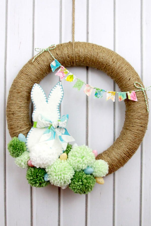 DIY Wreaths to Decorate Your Front Door for Easter | Yarn pom poms ...