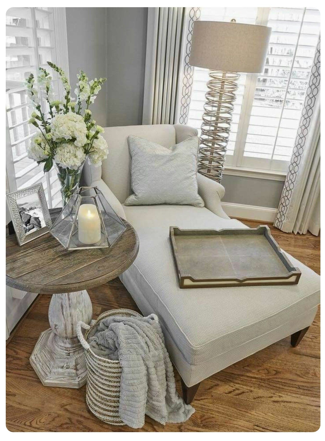 I Love The Idea Of A Chaise Lounge Maybe In The Bedroom Living Room Decor Cozy Master Bedrooms Decor Farm House Living Room