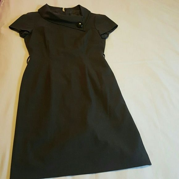 TAHARI GRAY DRESS VINTAGE GRAY FITTED DRESS WITH SPLIT UP THE BACK AND BACK ZIPPER ALSO BLACK STITCHING AROUND NECK LINE Tahari Dresses Midi