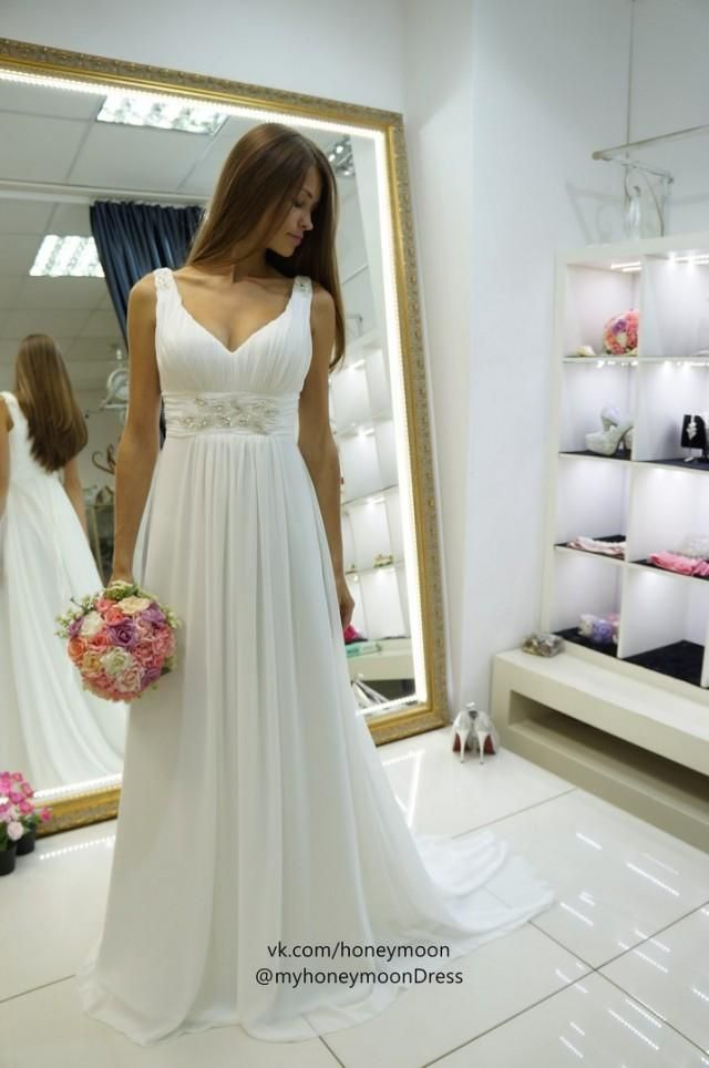 Empire Wedding Dress With Tail And V Neck Linei Know How Much Means For Bride I Money Takes The