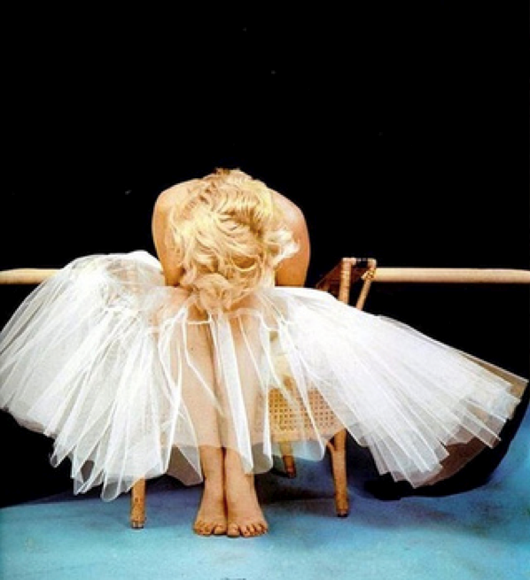 Marilyn Monroe's ballet photo shoot