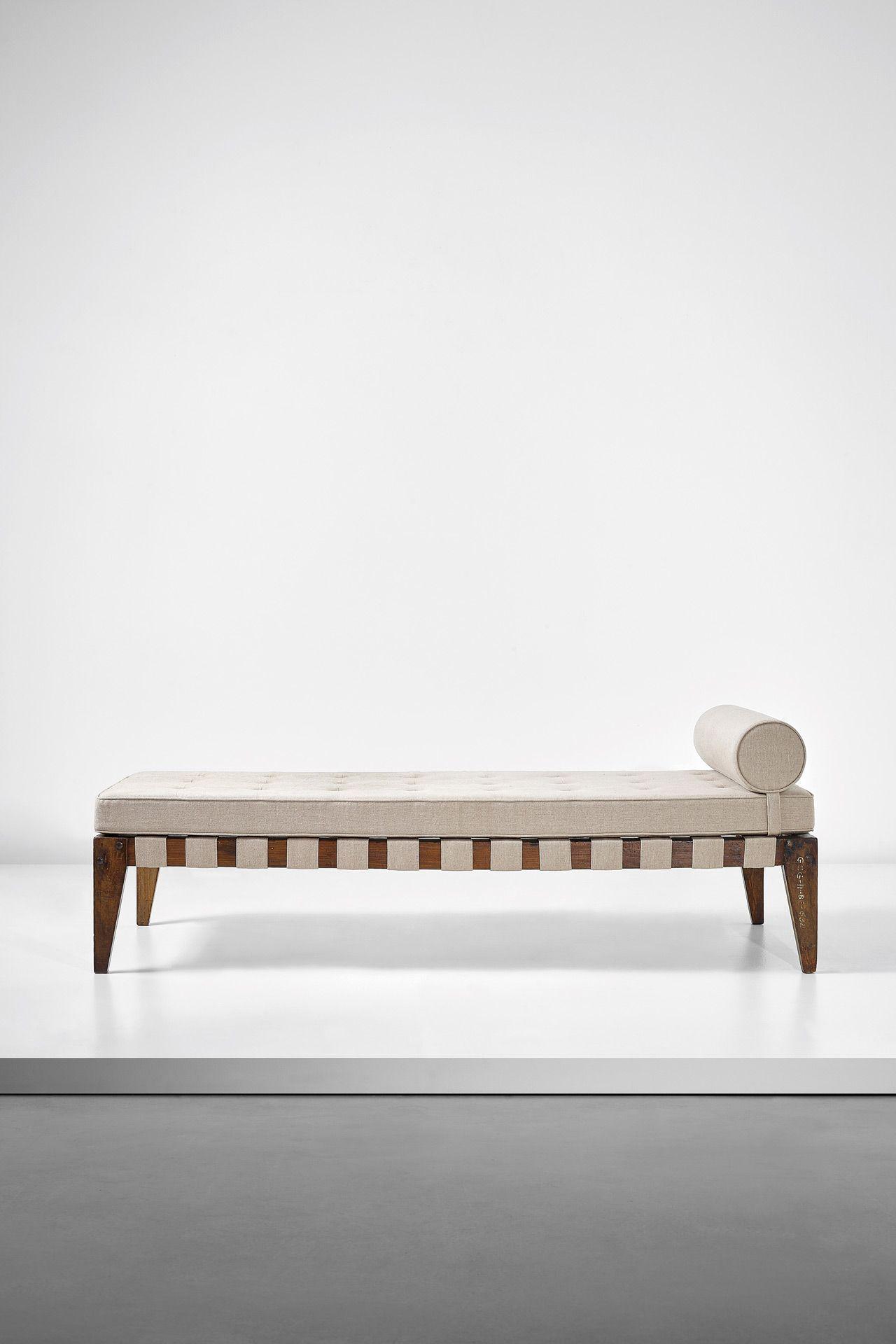 Pierre Jeanneret bed