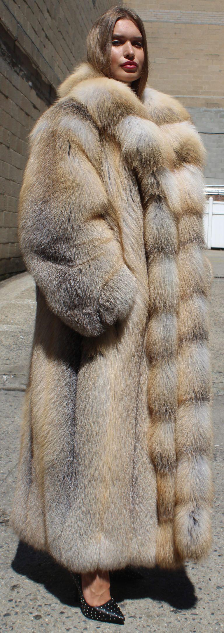 Super Size Silver Fox | Fox fur coat, Fur, Fur coat