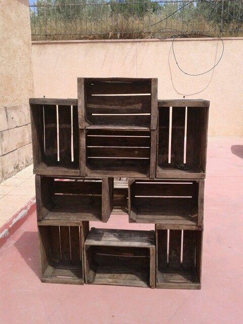 Estanteria o peque o mueble de comedor creado por manuel for Muebles con cajas de madera