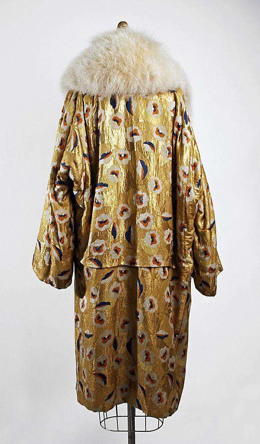 Evening coat Date: 1926–28 Culture: probably American Medium: metallic thread, silk, fur. Back