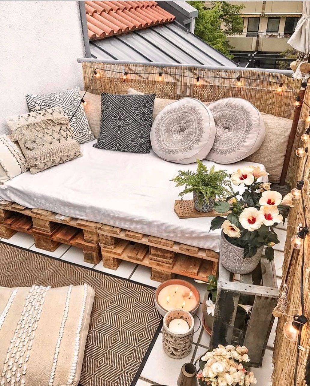 15 Beautiful Ways To Decorate A Balcony And Make I
