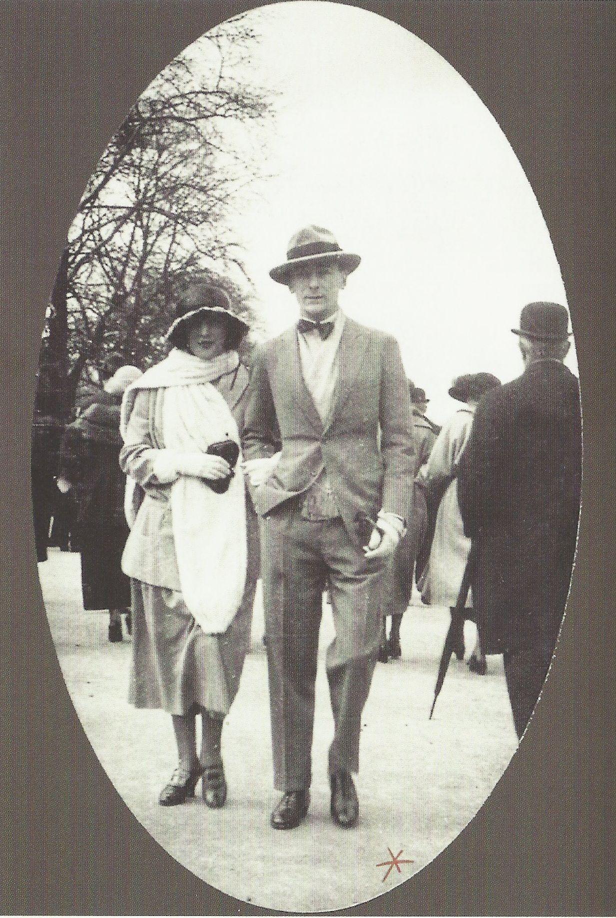 Le photographe Jacques Henri Lartigue et son épouse Bibi, avenue du Bois, Paris, années 1920