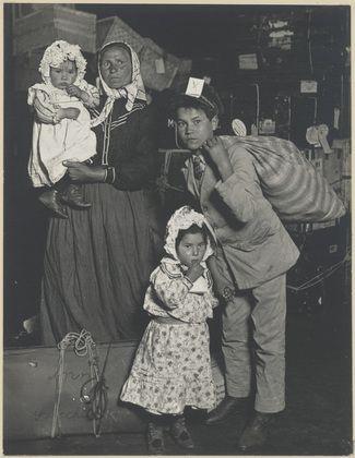 Dejta gamla fotografier video familjehistoria