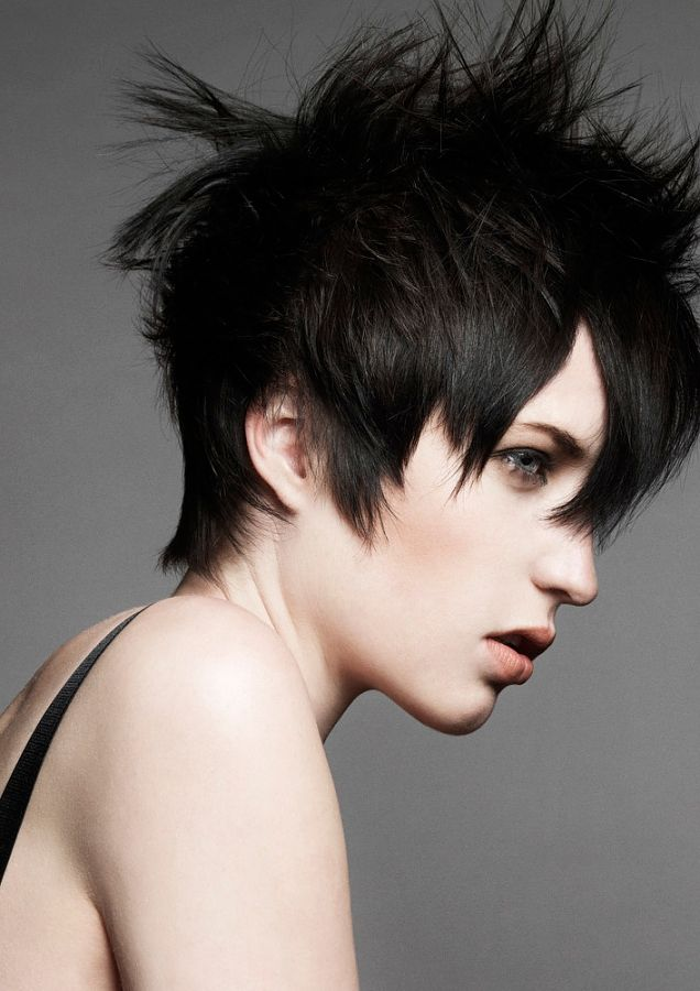 Razor Edgy Short Haircuts In Addition Use Styling Tools And