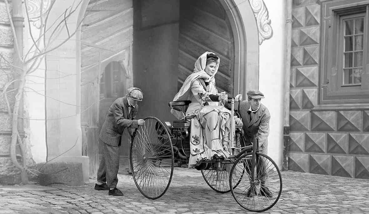 International Women S Day Bertha Benz With Images Old