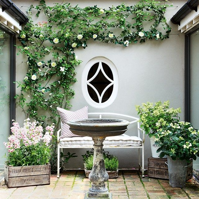 Garden Design With Outdoor Astonishing Of Small Backyard: Grey Slate Chippings Wth White Planting Theme