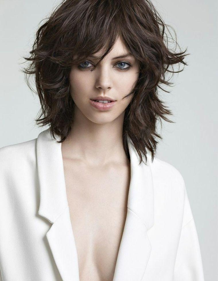 1001+ idee per capelli scalati di varie lunghezze e nuance ...