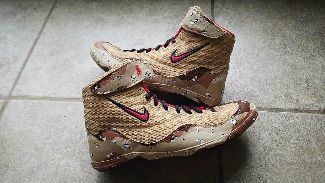 Undefeated Customs shoe custom-shoe-6