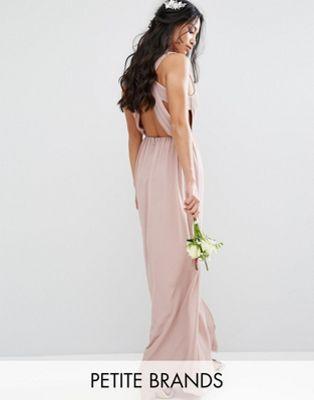 TFNC Petite – Plissiertes Maxi-Hochzeitskleid mit Rückenausschnitt ...