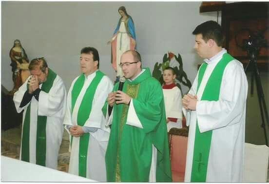 SACERDOTES DA PARÓQUIA DE SAO MARCOS COM PE GERSON   BARTELLI.