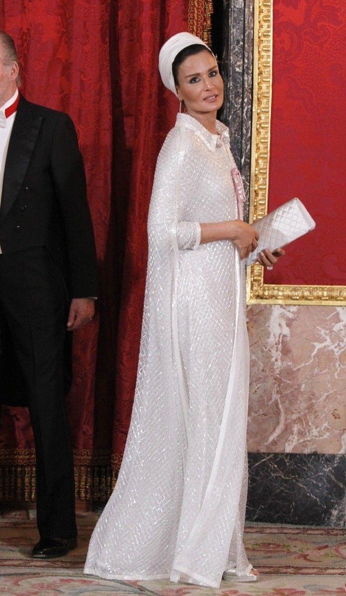 Mozah bint Nasser | Synonyms for Gorgeous | Pinterest | Royals