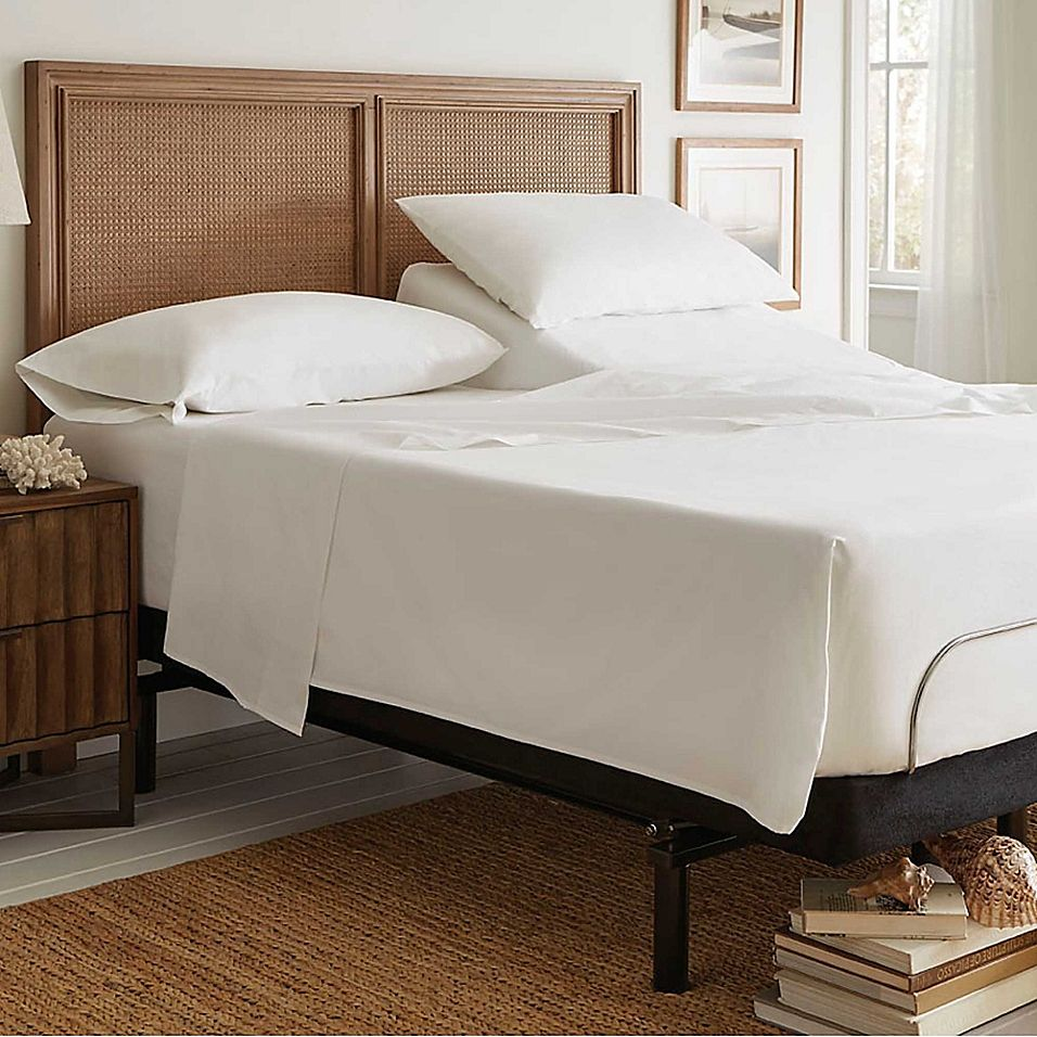 Tommy Bahama Split Queen Sheet Set In White King sheet