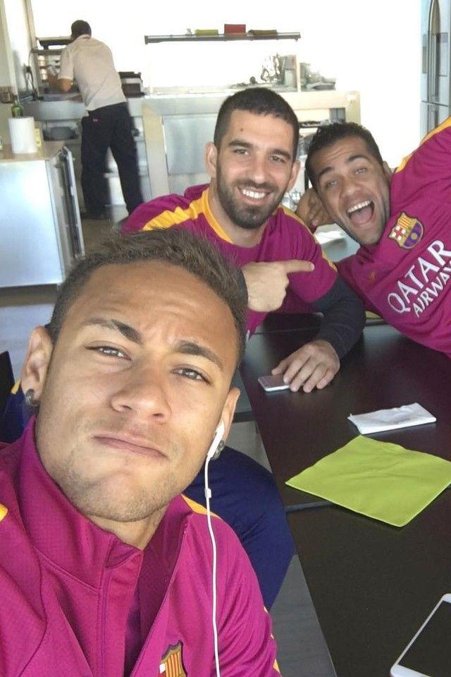 Neymar Jr. wearing Nike FC Barcelona Official Training Sweater 2015/16