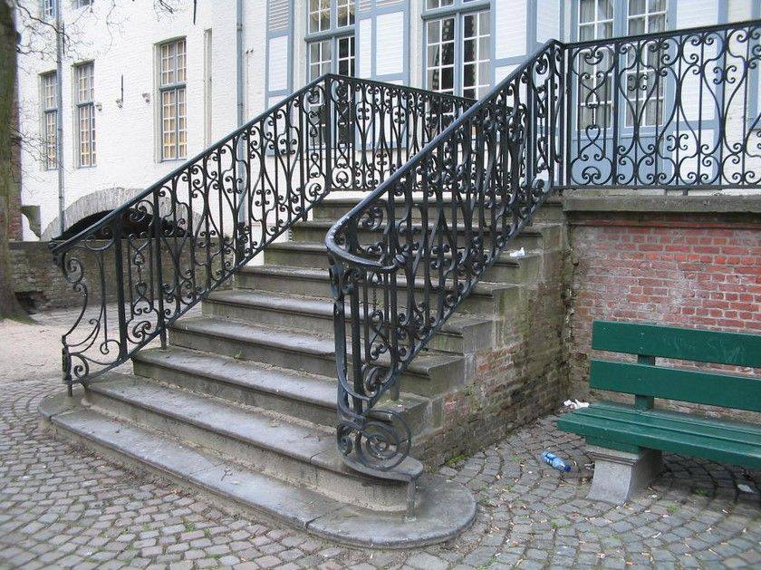 Awesome Designs of Wrought Iron Porch Railings to Decorate ...