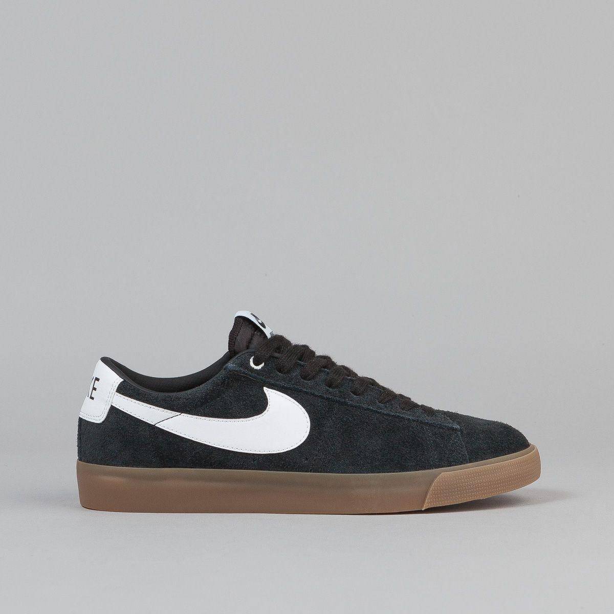 Nike SB Blazer Low Grant Taylor, In Black / White Via Flatspot.