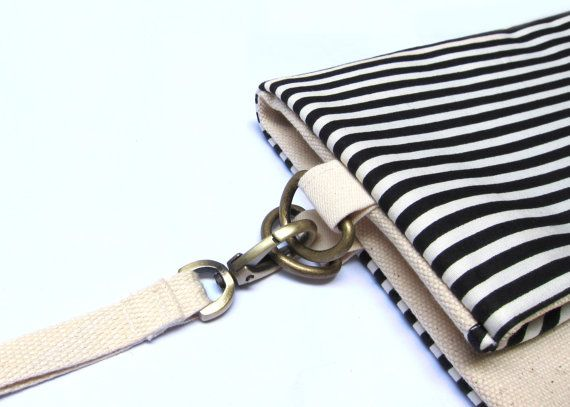 Bike bag B&W Stripe/ Handmade black clutch/ iPad por fabricAsians