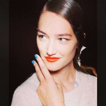 Perfect Blue Manicure For These Orange Lips