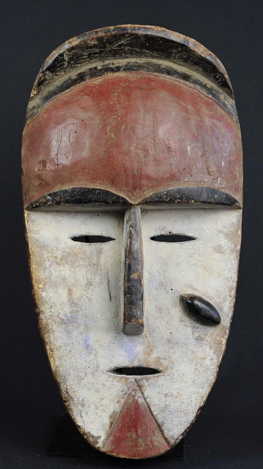 masque africain a 8 cornes