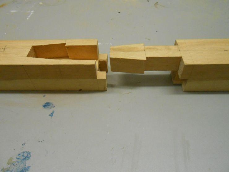 Rund vier Holzverbindungen   Kunst och Design