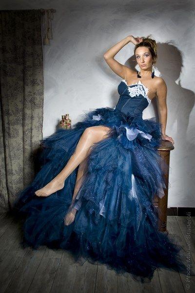 creation sur mesure d 39 une robe de mari e en jean et tulle. Black Bedroom Furniture Sets. Home Design Ideas