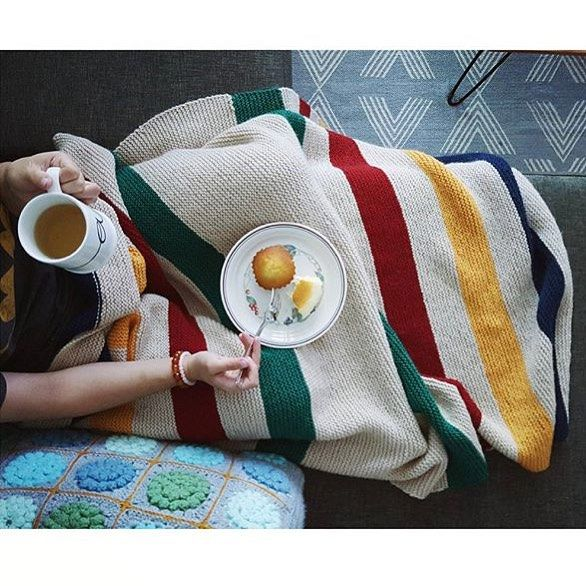 We want to transport ourselves directly into this cozy scene that @abckarrots captured. Isn't her Hudson Bay inspired blanket gorgeous? And it's knit in Wool of the Andes, to boot! #cozyknits #hbcblanket #wooloftheandes #handmadeislove #whenisfallcoming #pumpkinspiceeverything  (: @abckarrots)