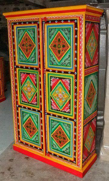 Armario india decorado colores muebles chinos muebles - Muebles decorados a mano ...