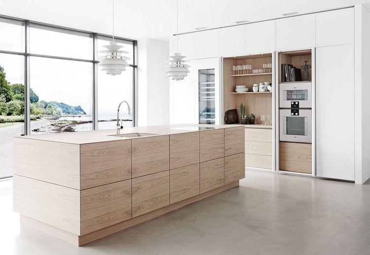 Inspirez Vous D Une Jolie Cuisine Chene Clair Avec Des Touches De Laiton Cuisine Chene Clair Cuisine Chene Cuisine Moderne Design