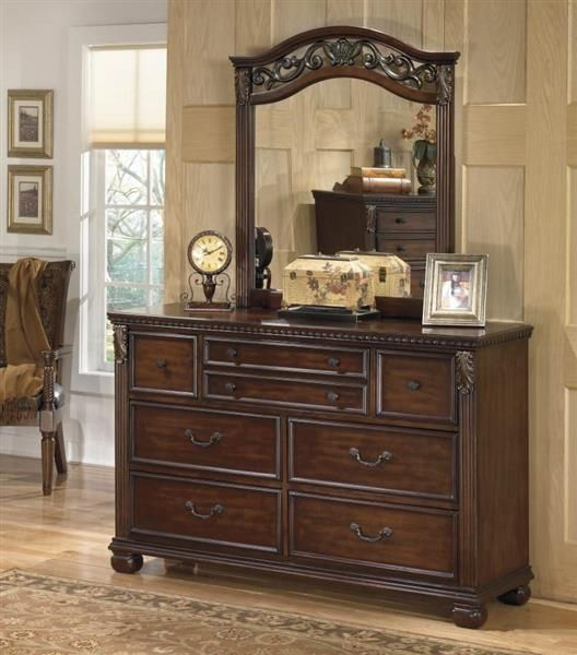 Ashley Furniture Leahlyn Dresser And Mirror Decora 231 227 O Quartos