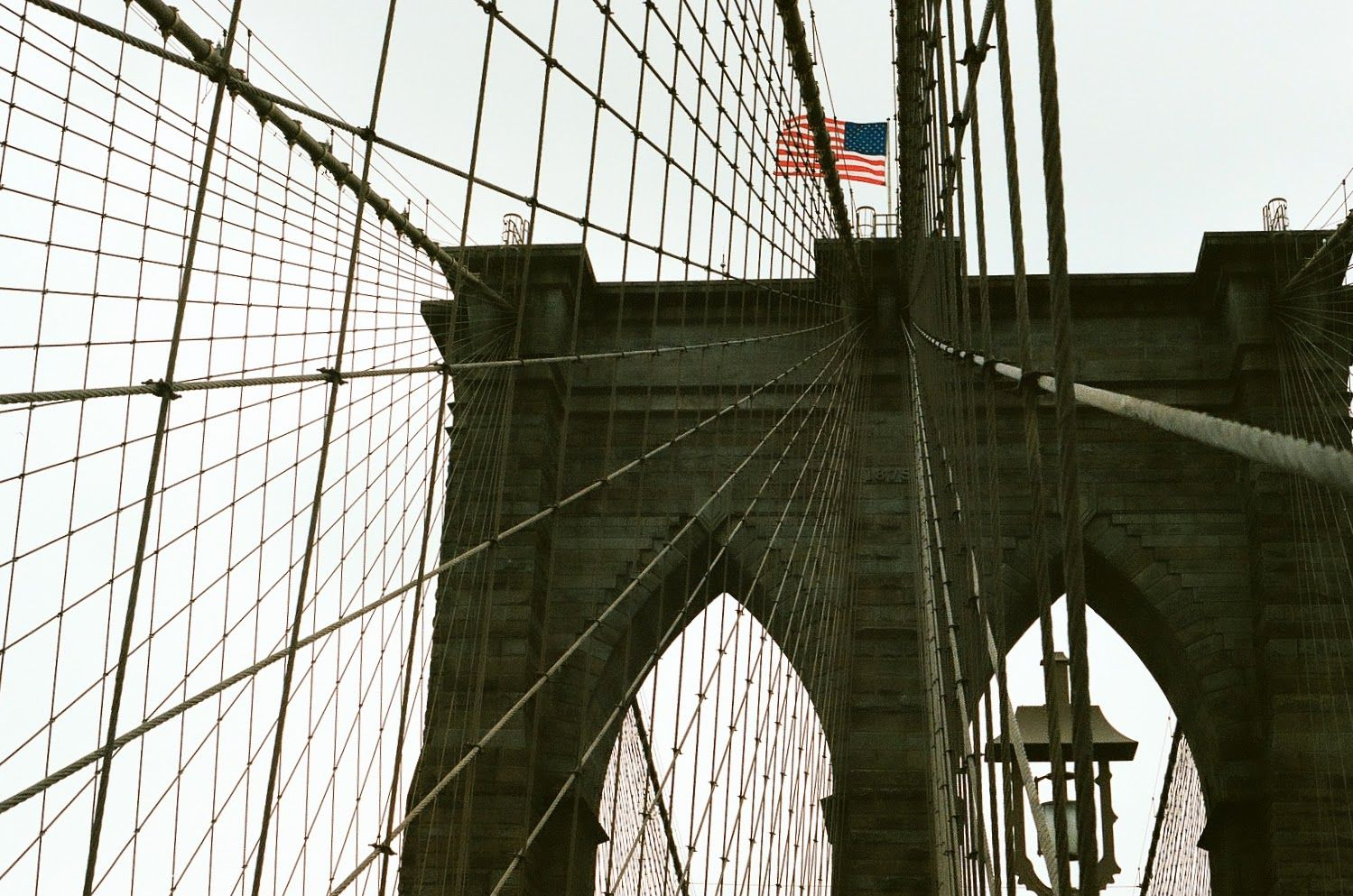 ITAP of The Stars and Stripes atop the Brooklyn Bridge#PHOTO #CAPTURE #NATURE #INCREDIBLE