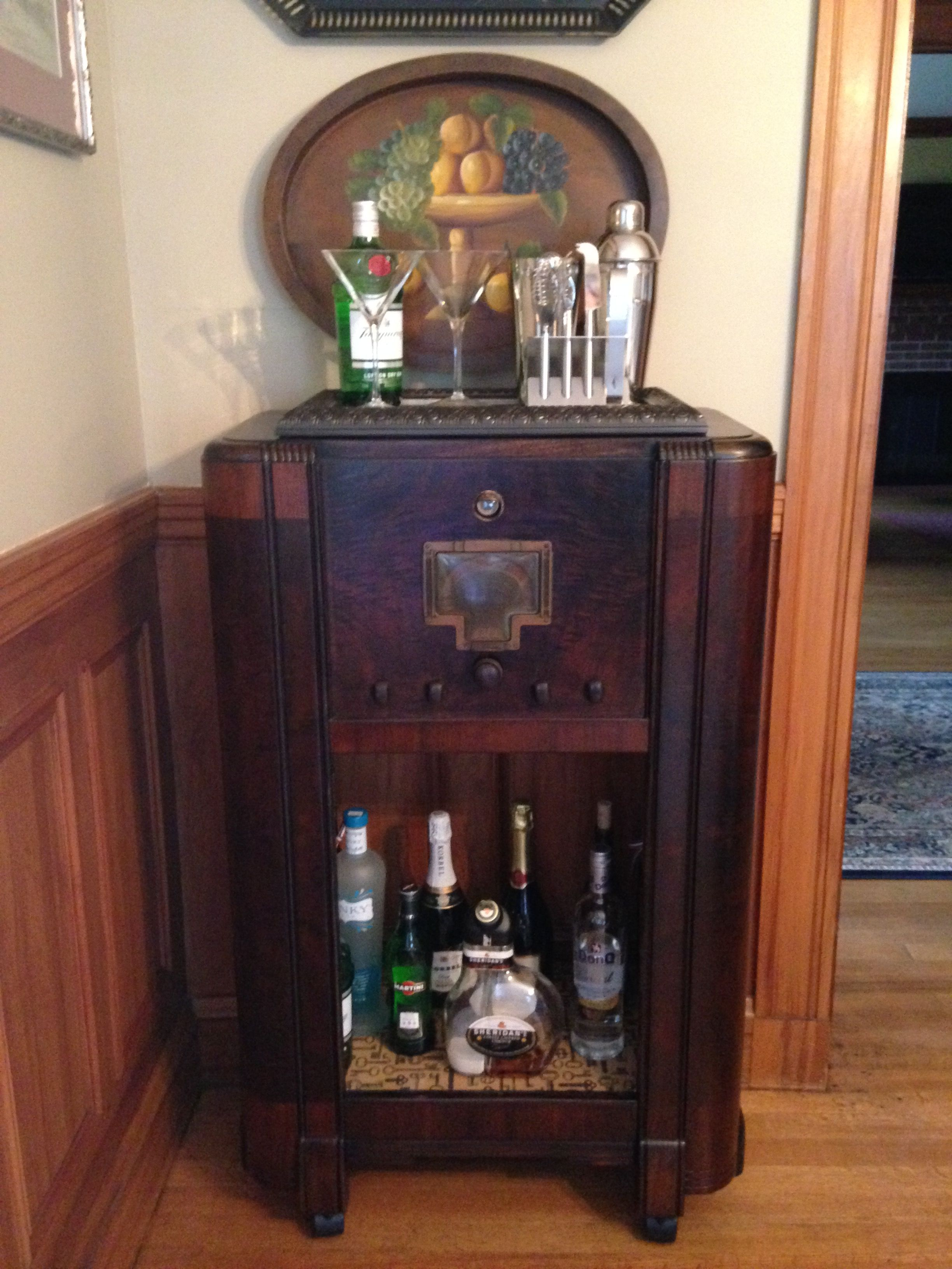 took an old vintage radio and made it into my bar my. Black Bedroom Furniture Sets. Home Design Ideas