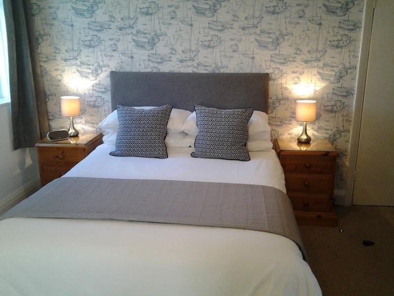 Living Room Wallpaper At B Q Euskal. Bedroom Wallpaper Ideas B q   emmolo com