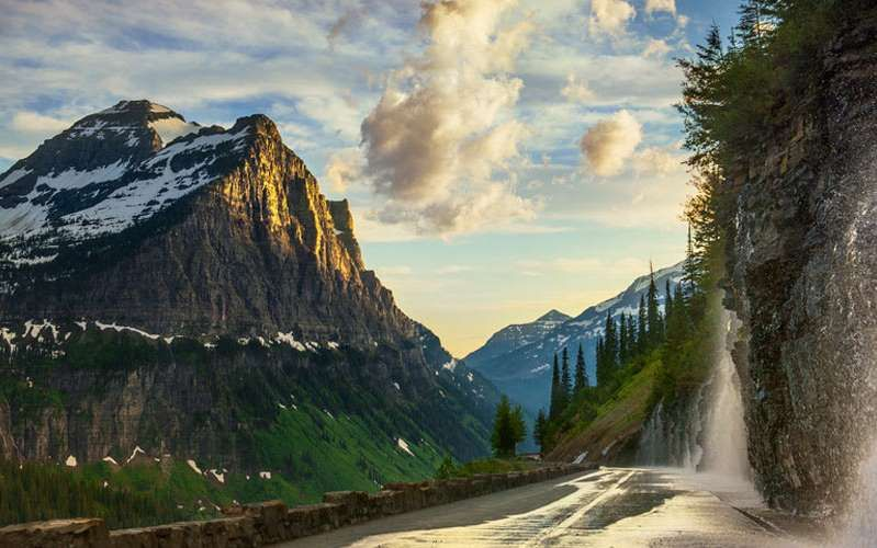 Give yourself about 10 days to drive from Montana to Wyoming while you visit Yellowstone, Glacier an... - Pinnel Studios