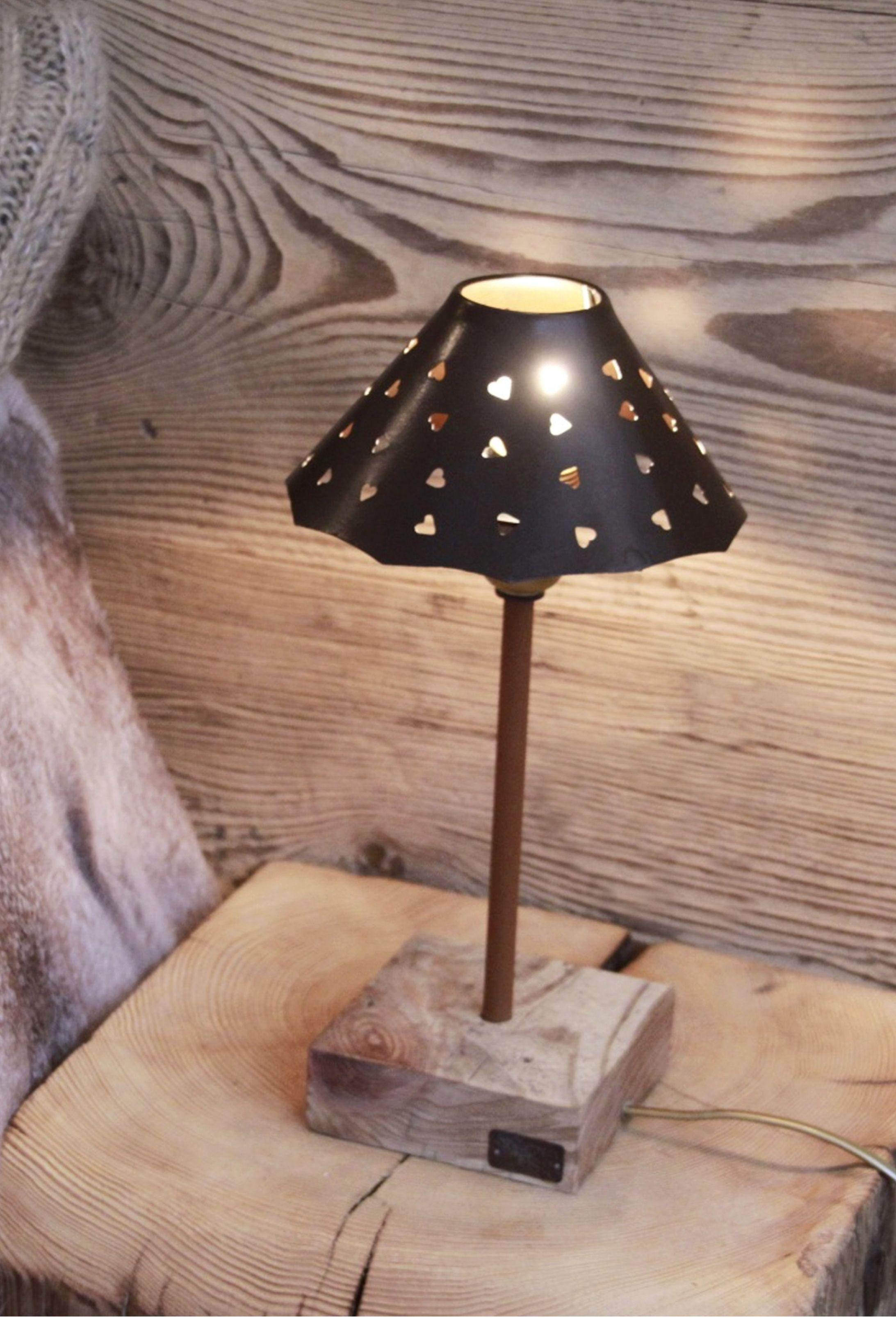 Fabriquer Lampe De Chevet Suspendu petite lampe de chevet. pied vieux bois fabrication