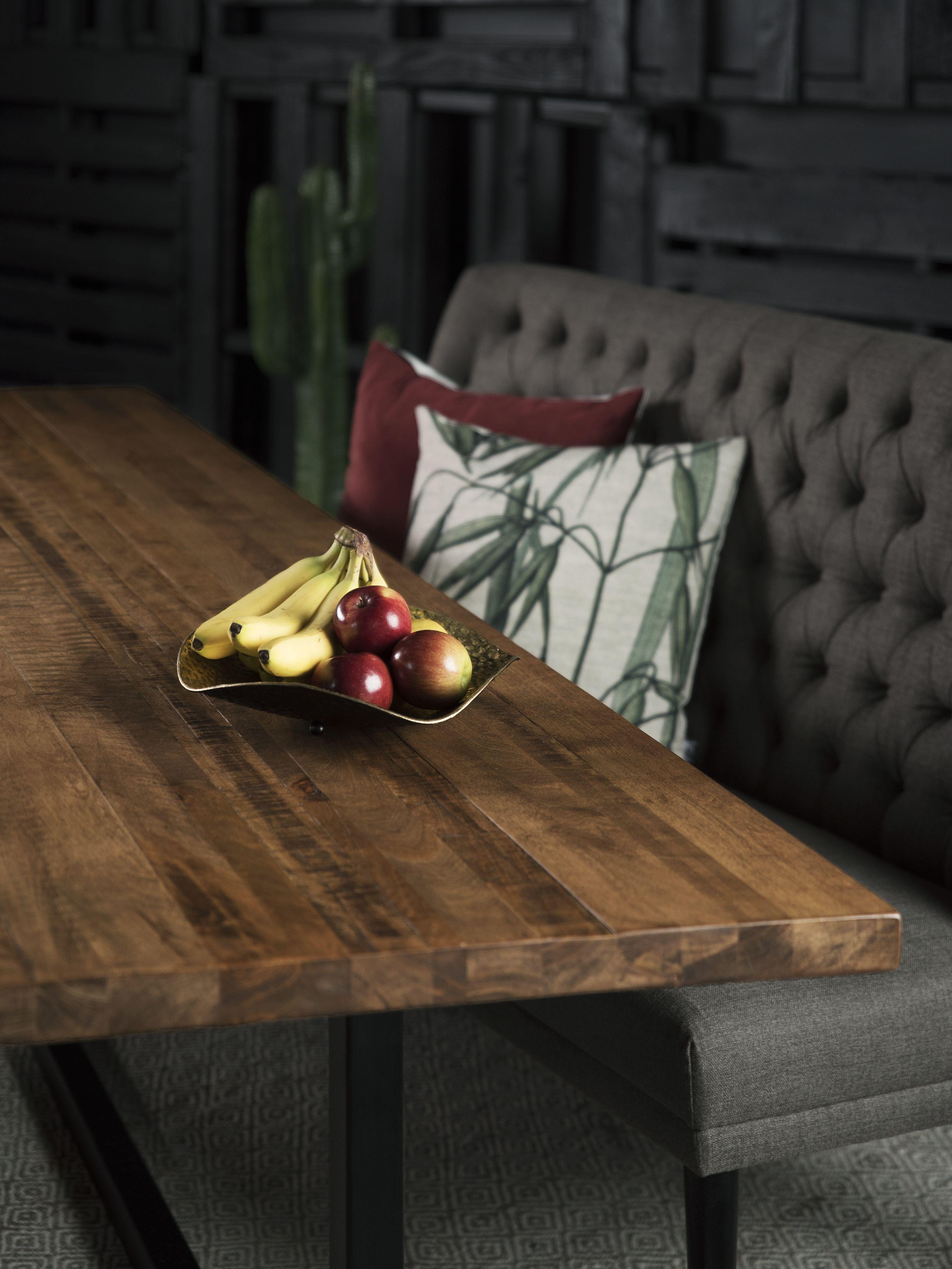 Table Kamouraska Merisier Ambree Foncee Grade B 96 X 42 Meridian Chaises Longbeach Noires Surmesure Lusine Table Kam Merisier Table Chaise