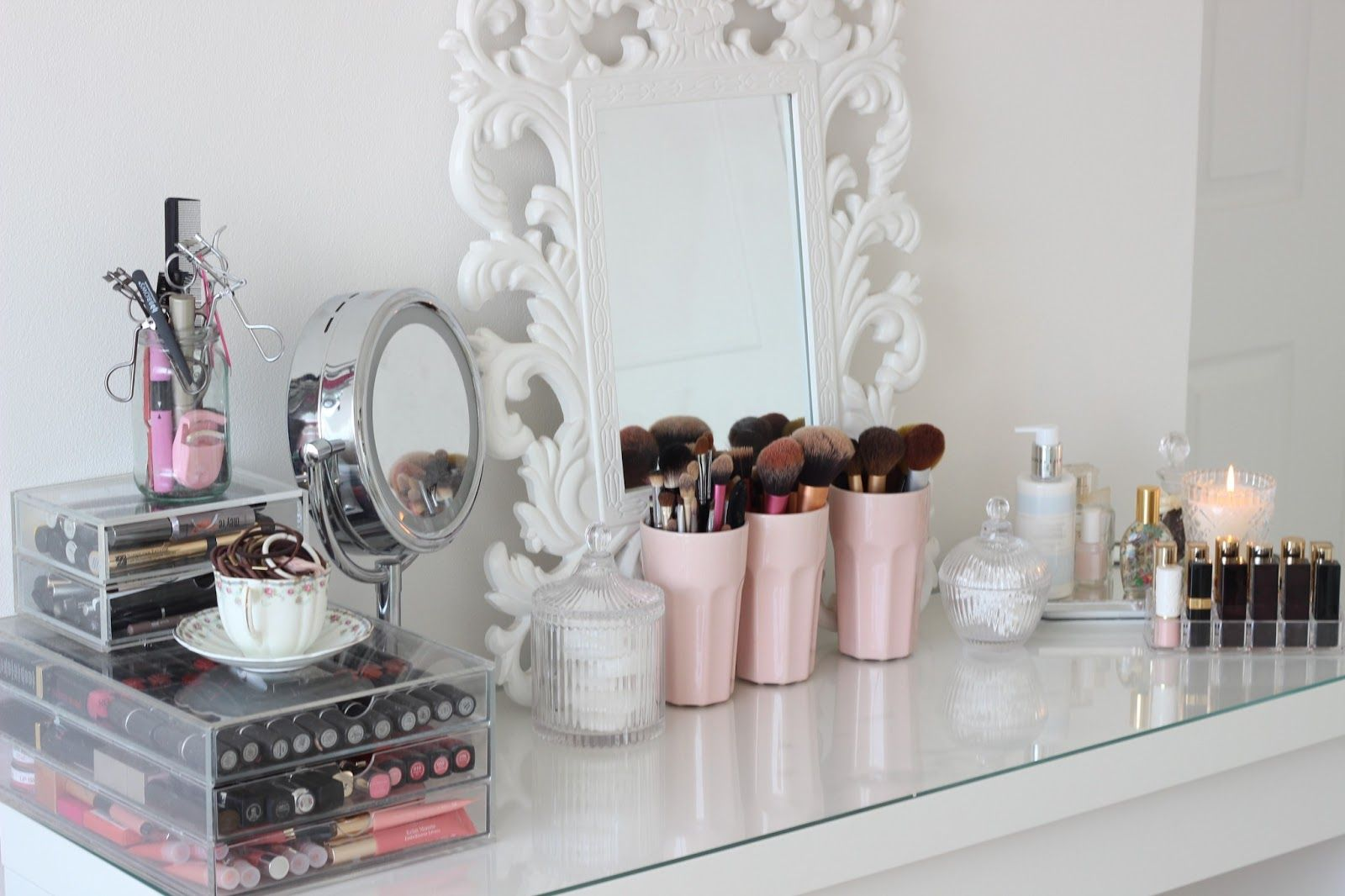 Dressing table designs with full length mirror for girls - Top 25 Ideas About Dressing Table Prettiness On Pinterest Lipstick Holder Quartos And Jewelry Storage
