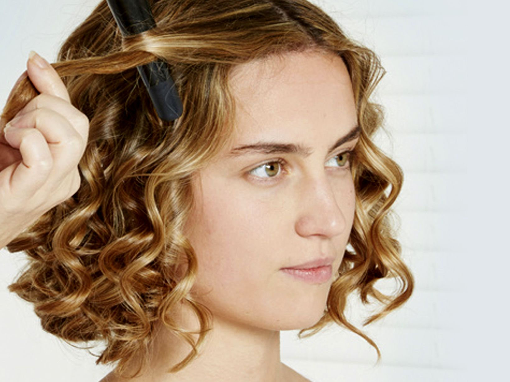 Was hilft gegen fettige Haare Styling & Pflege Tipps