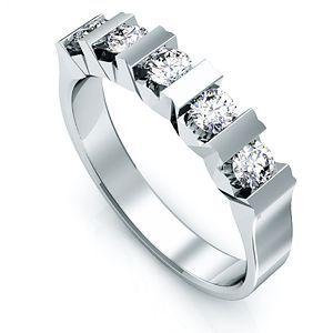 Anillo oro blanco y diamantes. Zircone