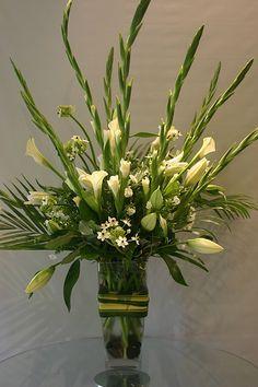 White Arrangement Lilies Callas Ornithogalum Gladiolus While At Garden Party Fl Gladiolus Arrangements Church Flower Arrangements Large Flower Arrangements