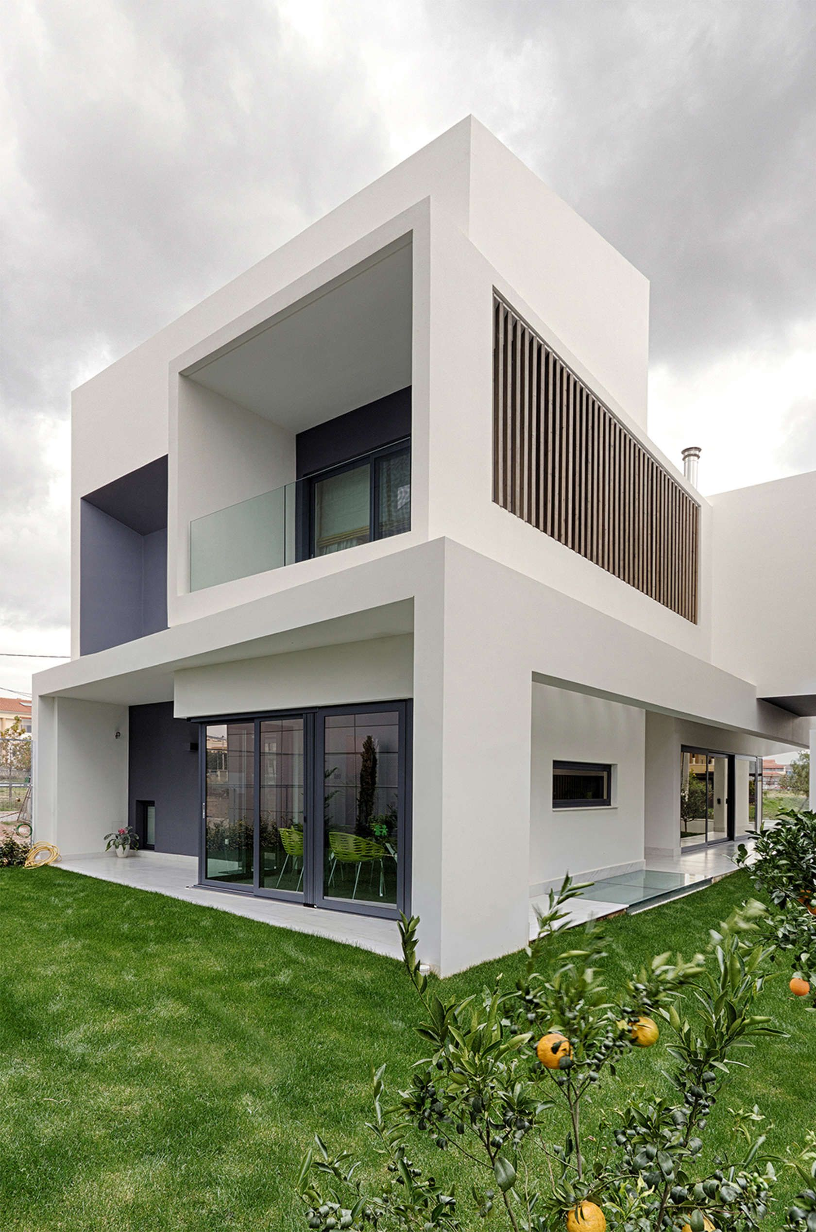 Private residence in gerakas by officetwentyfivearchitects athens greece · family housesmodern